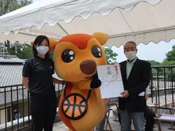母子鹿奈良公園デビューと寄付をいただきました。